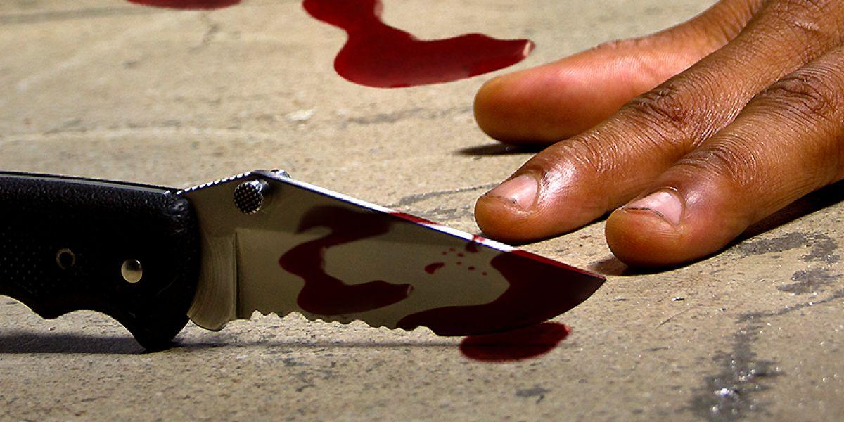 女子发现男友性侵自己12岁女儿 连捅男友6刀